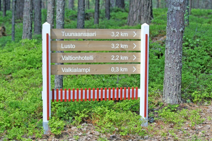 Maintained and easy walking/cycling trails at the Nature Reserve