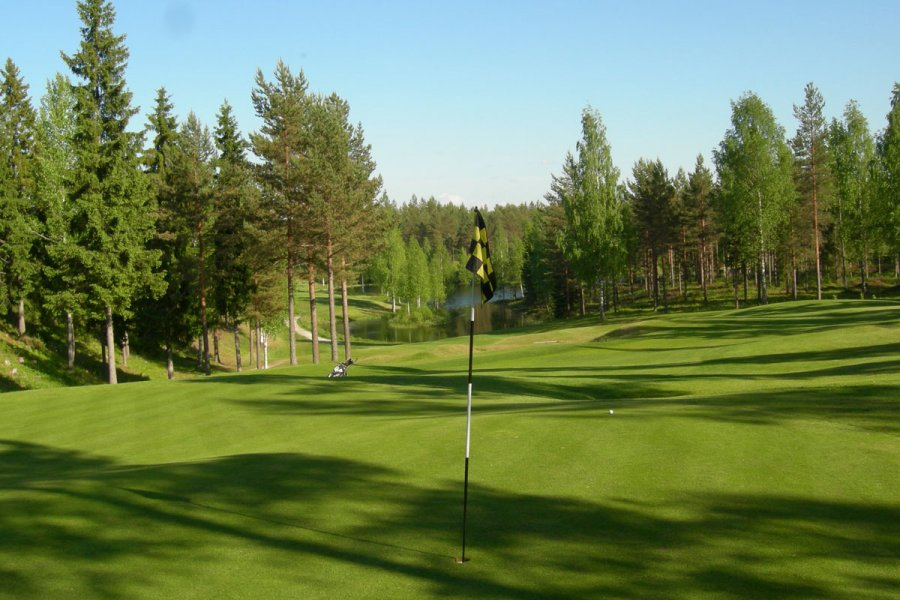 Kerigolf is within 15 min drive from the holiday village